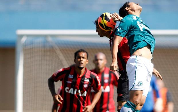 goiás x atlético-pr (Foto: Adalberto Marques/Agif/Agência Estado)