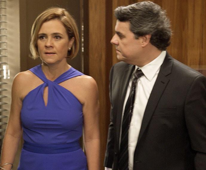 Evandro e Inês ficam chocados (Foto: TV Globo)