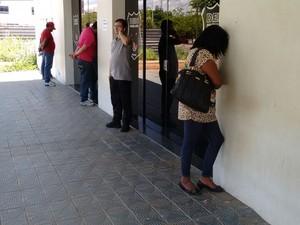 Quadrilha suspeita de vender lotes públicos é presa em Palmas (Foto: Dinaredes Parente/TV Anhanguera)