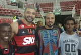 Olivinha apoia projeto do primo BBB no Rio e aposta em novos talentos