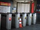 Metrô monta esquema emergencial, mas passageiro enfrenta problema