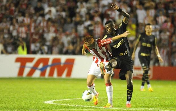 Náutico x Botafogo souza (Foto: Aldo Carneiro / Pernambuco Press)