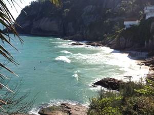 Localizada dentro de um condomínio do Joá, na Zona Oeste do Rio, a Praia da Joatinga fica dentro de um condomíni fechado, mas não é restrita somente aos moradores (ainda bem!).  (Foto: José Raphael Berrêdo / G1)