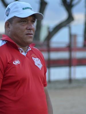 Givanildo Sales disse que time quer terminar em primeiro lugar (Foto: Felipe Martins/GLOBOESPORTE.COM)