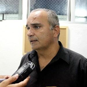 Eduardo Clara treinador do São Raimundo-AM (Foto: Marcos Dantas)