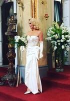 Flávia Alessandra mostra look de casamento em 'Êta mundo bom'