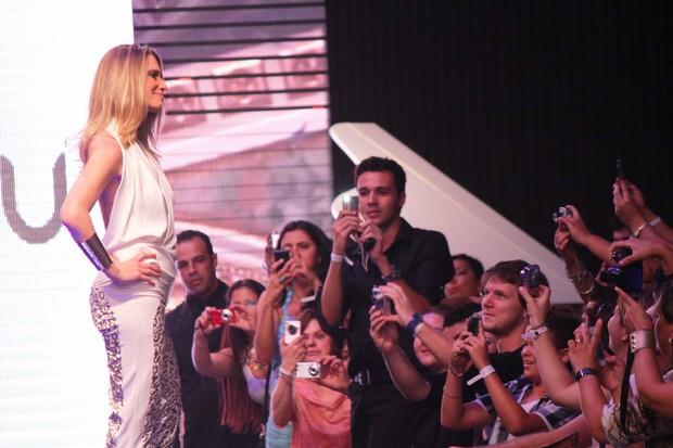 Letícia Spiller desfila em Maringá (Foto: Thiago Duran/ Ag. News)