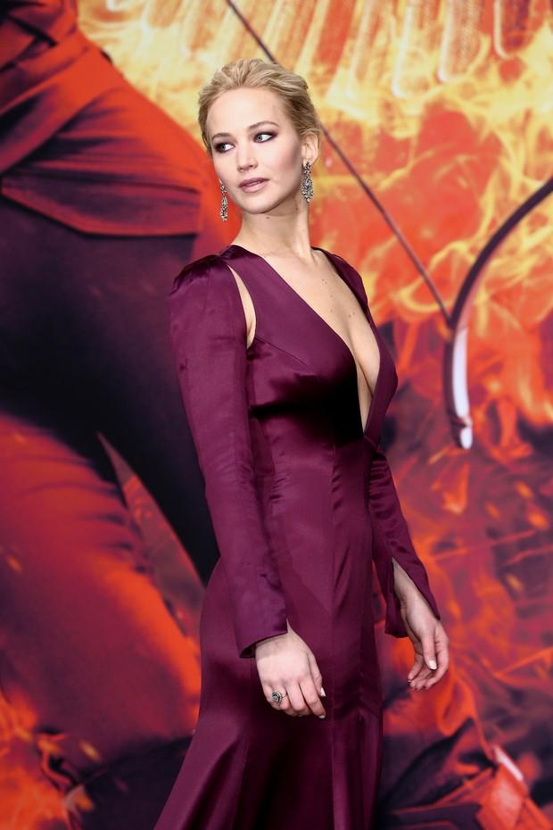 Jennifer Lawrence na pré-estreia de Jogos Vorazes: A Esperança - Parte 2, em Berlim (Foto: Getty Imagem)