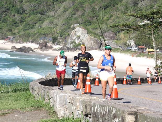 Revezamento das Praias eu atleta (Foto: Fernanda Cansanção)