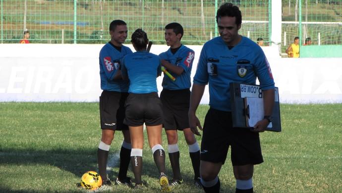 Arbitragem Caucaia x Náutico Campeonato Brasileiro Antônio Cruz (Foto: Roberto Leite)