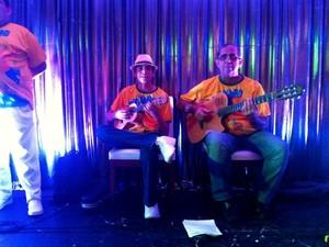 Músicos fizeram a festa dos convidados (Foto: Marcos Dantas/G1)