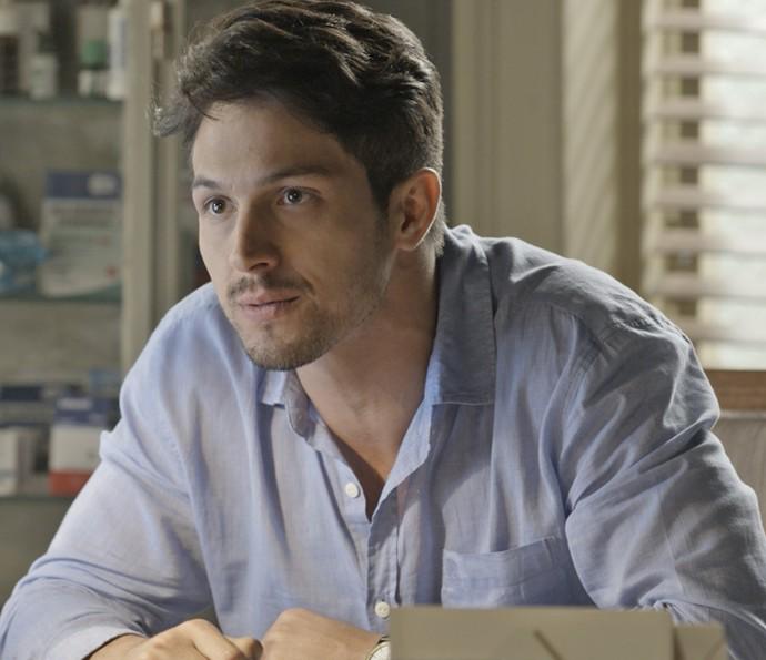 Roberto fica surpreso com o pedido de Melissa (Foto: TV Globo)