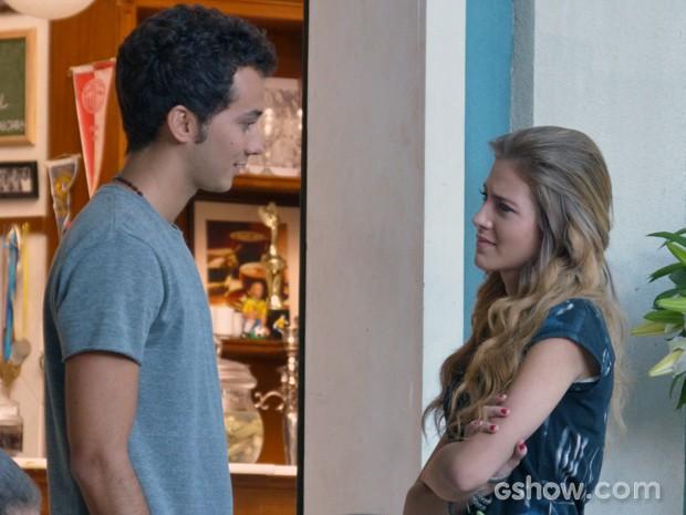 Ben convida Sofia para ir ao cinema (Foto: Malhação / TV Globo)