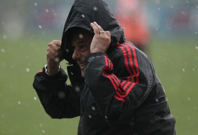 Luxemburgo, chuva, treino Flamengo (Foto: Gilvan de Souza / Flamengo)