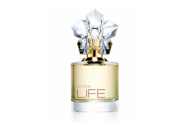 Avon apresenta perfume em parceria com Kenzo Takada (Foto: Divulgação)