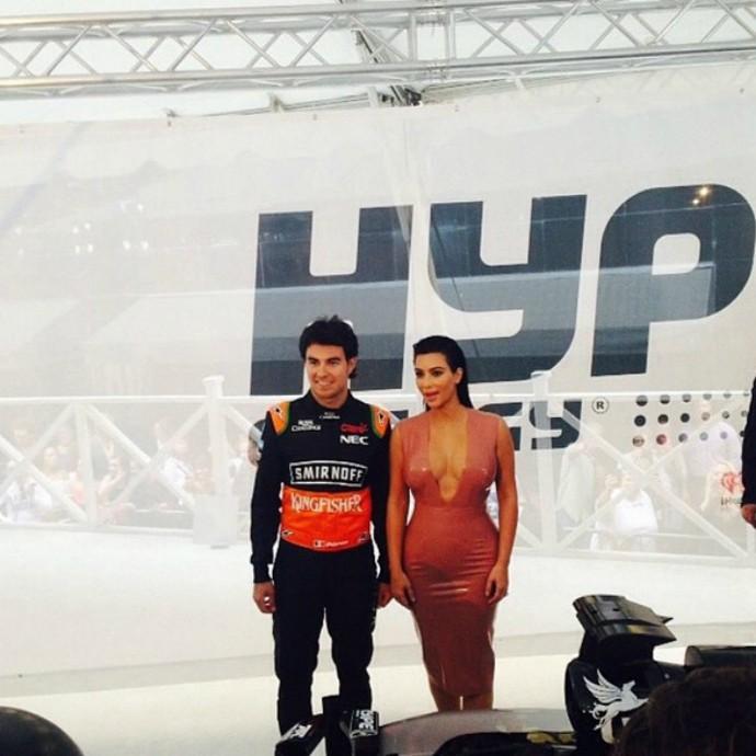 O mexicano tietou Kim Kardashian postando a foto nas redes sociais (Foto: Reprodução)