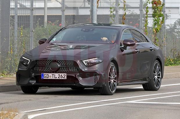 Mercedes-Benz CLS flagrado em testes (Foto: Automedia)
