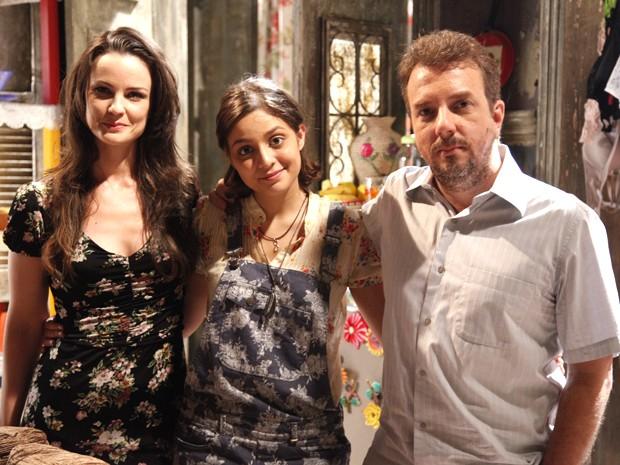 Carolina Kasting e Augusto Madeira vivem os pais da personagem de Maria Luiza (Foto: Raphael Dias / TV Globo)