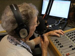 DJ diz que ainda não se sente uma profissional  (Foto: BBC)