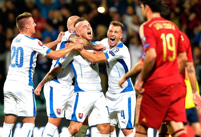 Juraj Kucka, comemora gol da Eslováquia contra a Espanha  (Foto: Agência AFP )