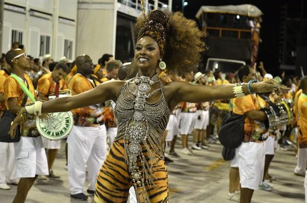 Cris Vianna no ensaio técnico da Imperatriz, na Sapucaí (Foto: Roberto Teixeira/EGO)