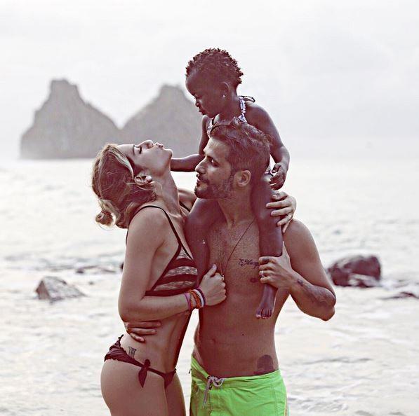 Giovanna Ewbank, Bruno Gagliasso e Titi (Foto: Reprodução)