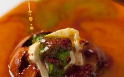 Salada caprese em versão quente e fria do chef Felipe Bronze