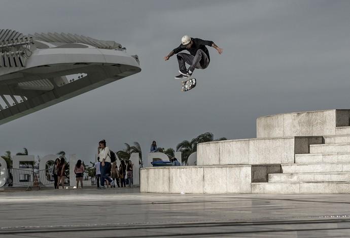 Flip de Luan Oliveira: um de seus inúmeros truques no skate (Foto: Divulgação/Nike)