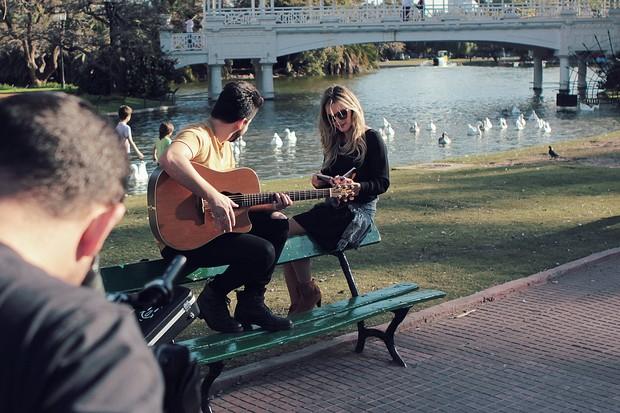 Thaeme e Thiago gravam clipe na Argentina (Foto: Divulgação)