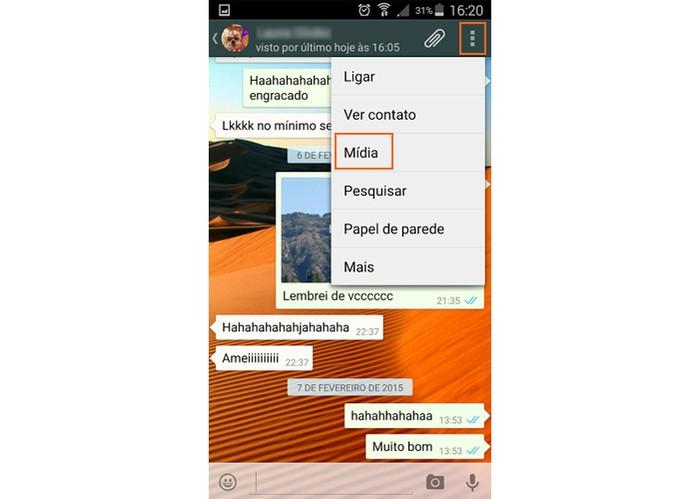 Abra sua conversa com o amigo no WhatsApp e acesse Mídia no menu lateral (Foto: Reprodução/Barbara Mannara)