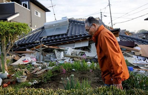 Na manhã deste sábado, o número exato de vítimas de terremotos no Japão ainda era desconhecido (Foto: EFE)