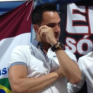 Falcão chora em homenagem (Foto: Cleber Akamine/GloboEsporte.com)