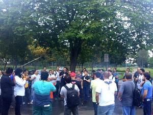 Funcionários da Replan se reuniram em assembleia e entraram em greve (Foto: Sindipetro Unificado)