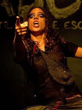 """Rosanna Viegas em cena de """"Adubo"""" (Foto: Divulgação)"""