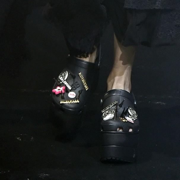 Balenciaga x Crocs (Foto: Getty Images)