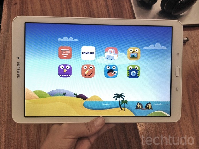 0dafc9621 Galaxy Tab E tem área dedicada às crianças (Foto  Laura Martins TechTudo)
