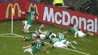 Irlanda do Norte vence a Ucrânia  pelo Grupo C da Eurocopa (Max Rossi / Reuters)