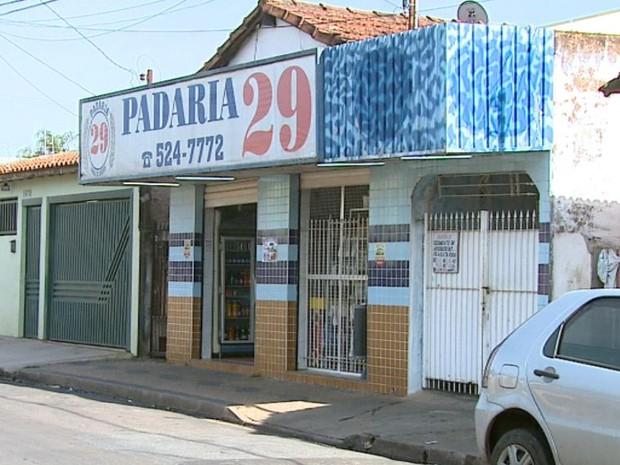 Padaria em Rio Claro foi assaltada pela terceira vez só neste mês (Foto: Paulo Chiari / EPTV)