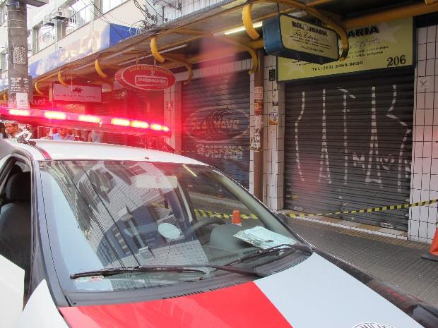 95587fd69fa Crime aconteceu no Centro de São Vicente (Foto  Anna Gabriela Ribeiro   G1)