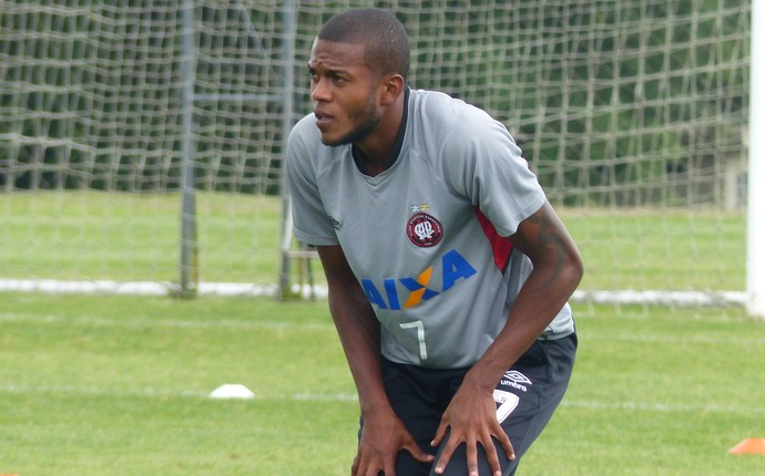 Marcelo Atlético-PR (Foto: Monique Silva)