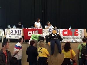 Professores avaliaram proposta do governo (Foto: João Salgado/RBS TV)