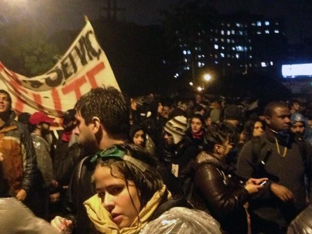 Manifestação em Porto Alegre nesta segunda-feira (17) (Foto: Felipe Truda/G1)