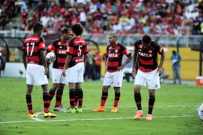 jogadores - Flamengo - Pacaembu (Foto: Marcos Ribolli)