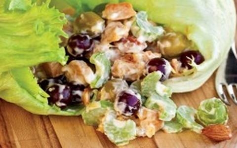 Salada americana de frango com aipo