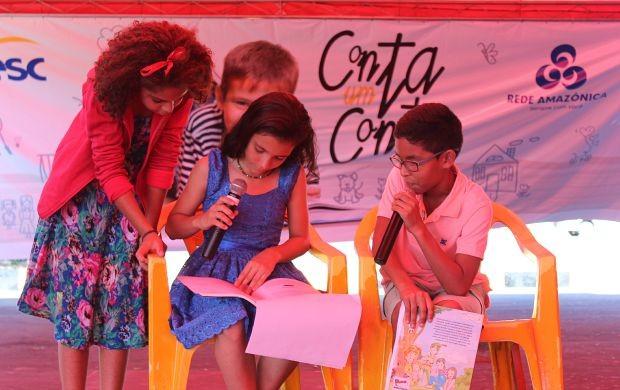 Criançada participa da leitura de histórias (Foto: Gisa Almeida/ Rede Amazônica)