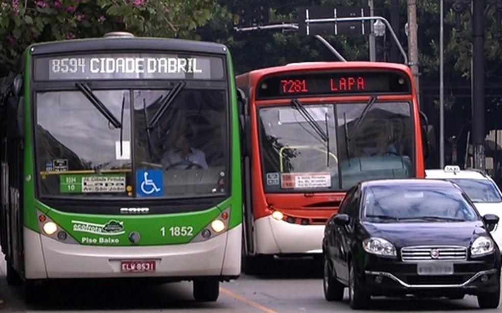 Prefeitura faz contratos emergenciais com empresas de ônibus  (Foto: Reprodução/ TV Globo)