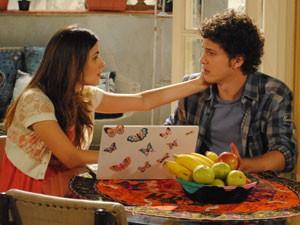 Cristal faz teatrinho e deixa Gabriel bolado (Foto: Malhação / Tv Globo)