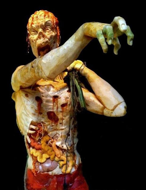 Escultura foi feita usando as 3 maiores abóboras dos EUA (Foto: Divulgação)