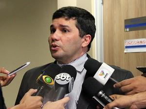 secretário de Segurança Pública, Sérgio Fontes, anunciou resultados da Operação Espectro (Foto: Indiara Bessa/G1 AM)
