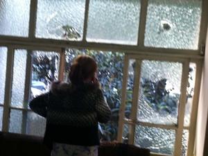 Vidraça interna da prefeitura de SP foi quebrada durante manifestação na terça. (Foto: Tatiana Santiago/G1)